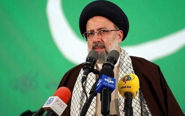 حجت الاسلام رئیسی در جمع مردم خوزستان: اگر نمیتوانید چرا باز به صحنه آمدهاید؟/ چطور حقوقهای نجومی میشود اما افزایش یارانه محرومان نمیشود؟